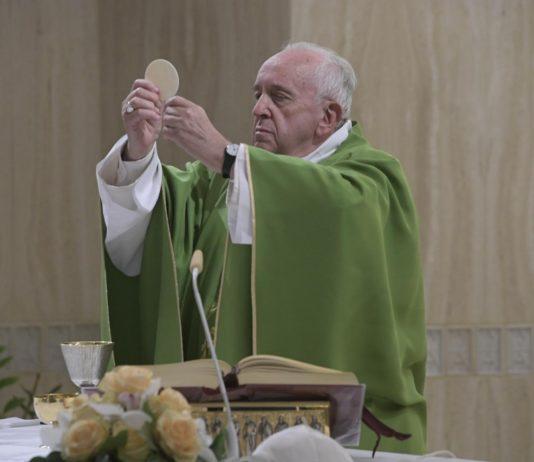 """Papa Francisco: """"Atención a no elegir la ideología por encima de la fe"""""""