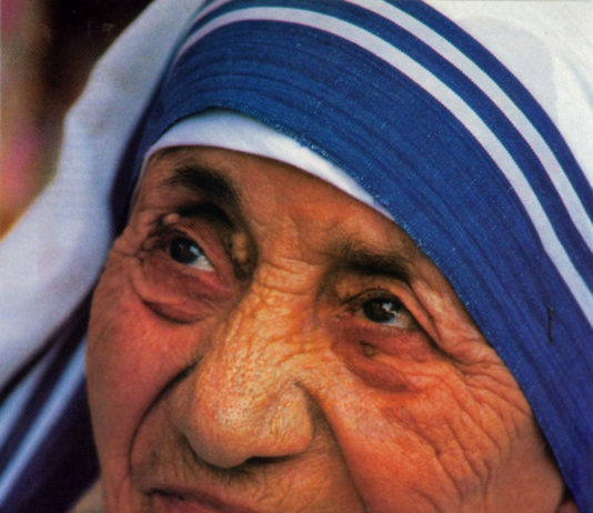 Las 30 frases de Madre Teresa de Calcuta por la paz4