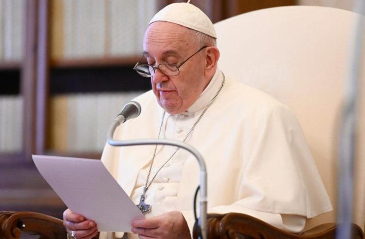 El Papa: ninguna tolerancia para el racismo, pero no a la violencia
