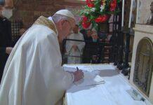 """el Papa firma """"Fratelli Tutti"""""""