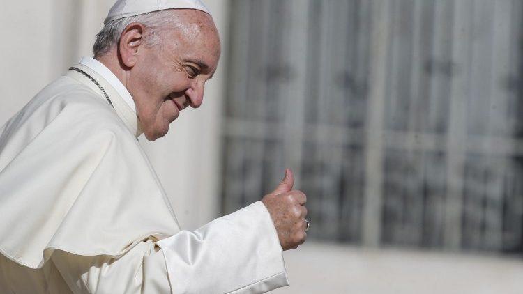El Papa envió un video mensaje 'Dios nos salva...'